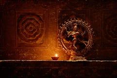 Statyett av den gudShiva dansen. Indien Udaipur Royaltyfri Fotografi