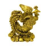 Statyett av den guld- fasanen som isoleras på en vit bakgrund Arkivfoto