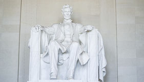 Statyn av Abraham Lincoln på Lincoln Memorial i Washington - WASHINGTON DC - COLUMBIA - APRIL 7, 2017 Fotografering för Bildbyråer