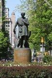 Statyn av den amerikanska skådespelaren Edwin Booth som Hamlet på Gramercy parkerar Royaltyfri Fotografi
