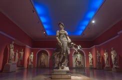 Statyn av en danskvinna på Antalya det arkeologiska museet, Royaltyfri Fotografi