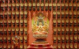 Statyn av Godness i kinesisk tempel för Buddhatandrelik, arkivbild