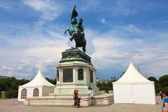Statyn av Joseph I av Österrike royaltyfria bilder