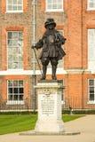 Statyn av konungen William III på Kensington arbeta i trädgården Royaltyfria Bilder