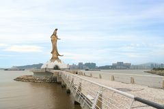 Statyn av kun är jag gudinnan av förskoning och medkänsla i Macao royaltyfri foto