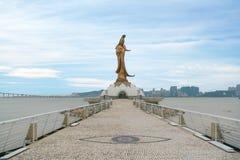 Statyn av kun är jag gudinnan av förskoning och medkänsla i Macao detta ställe är en populär turist- dragning av Macao royaltyfria bilder