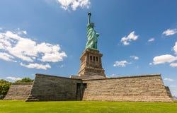 Statyn av Liberty On Its Pedestal arkivfoto