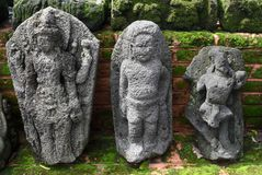 Statyn av majapahitkungariket i museet Trowulan royaltyfri foto