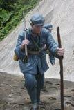 Statyn av soldaten Climbing med pinnen i den Parkï för röd armé ¼en Œshenzhen, porslin Arkivbild