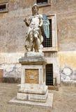 Statyn av St Michael ärkeängeln royaltyfria foton