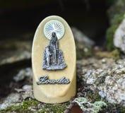 Statyn av vår dam av Lourdes Fotografering för Bildbyråer