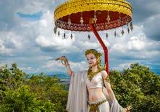 Statyn på Wat Phra That Doi Phra Chan, tempel i Lampang Thailand arkivbilder