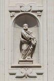 Statyskulptur, basilikakyrka av det heliga korset Lecce Italien Arkivbild