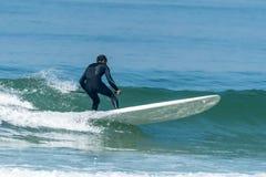 statywowy paddle surfingowiec Zdjęcie Royalty Free