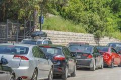 Stau in der Budva-Hauptverkehrszeit Lizenzfreie Stockbilder