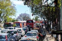 Stau in der Hauptsaison während des Feria de Abril-Fiestazeitraums lizenzfreies stockfoto