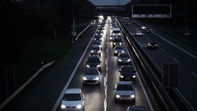 Stau - Hauptverkehrszeit auf deutscher Landstraße stock video footage