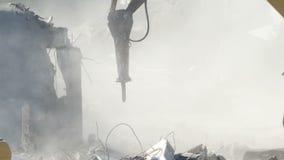 Staub auf der Zerstörung des Standorts stock video footage