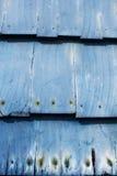 Staubige blaue hölzerne Schindeln Lizenzfreies Stockbild