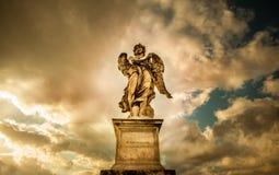 Staue av ängeln Arkivbild