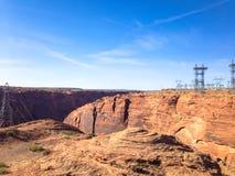 Stauen Sie Glen Canyon nahe der Stadt der Seite und der Antilopenschlucht stockbilder