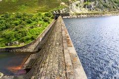 Staumauer, Nord-Wales Stockfotos