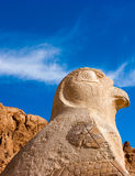 Staute di Nekhbet che custodice il tempio di Hatshepsut Fotografia Stock