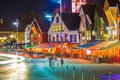 Stavanger bij nacht Stock Afbeelding