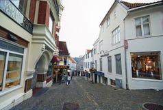 Stavanger, Noruega, calle vieja de la ciudad Imagen de archivo
