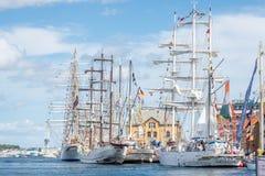 Stavanger/Norvège - 29 juillet 2018 : Les bateaux grands emballent photographie stock