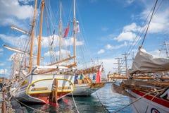 Stavanger/Norvège - 29 juillet 2018 : Les bateaux grands emballent images libres de droits