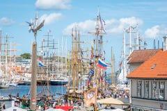 Stavanger/Norvège - 29 juillet 2018 : Les bateaux grands emballent photos stock