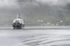 Stavanger zu Tau-ferryship Stord, das den Fjord kreuzt Lizenzfreie Stockfotografie