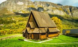 Stavechurch di legno nella solitudine norvegese fotografie stock