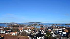Stavern, una pequeña ciudad en Noruega Imagenes de archivo
