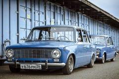 STAVROPOL, RUSSIE - ÉTÉ 2014 : Rétro voiture classique soviétique Photos libres de droits