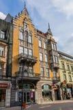 Stawowa街道的古老廉价公寓 库存照片