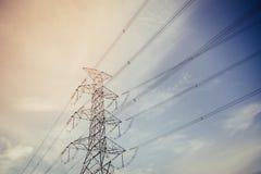 Stazione ad alta tensione di trasformazione e della centrale elettrica Fotografia Stock Libera da Diritti