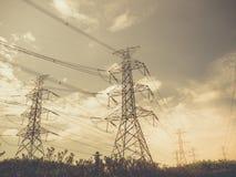 Stazione ad alta tensione di trasformazione e della centrale elettrica Fotografia Stock