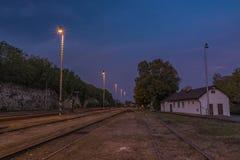 Stazione Bakov nad Jizerou in Boemia centrale fotografia stock