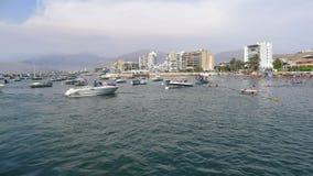 Stazione balneare dell'ancona a 24 miglia al Nord di Lima Fotografie Stock