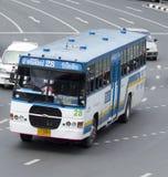 28 stazione degli autobus (Chatuchak) - automobile del bus della stazione degli autobus (lunghezza di linea di galleggiamento) Immagini Stock