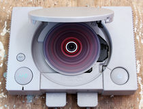 Stazione del gioco con il rotolamento del gioco variopinto del CD Immagine Stock
