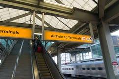 Stazione dell'aeroporto internazionale di libertà di Newark Fotografia Stock Libera da Diritti