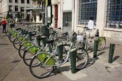 Stazione dell'affitto della bici Fotografia Stock