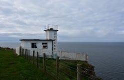 Stazione della guardia costiera sul Mare di Irlanda in Cumbria ad ovest Inghilterra immagine stock libera da diritti