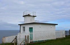 Stazione della guardia costiera trovata da costa a costa sull'itinerario fotografia stock libera da diritti