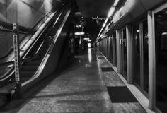 Stazione della metropolitana a Torino in bianco e nero Immagini Stock Libere da Diritti