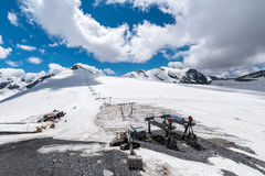 Stazione dello sci in alte alpi Fotografie Stock