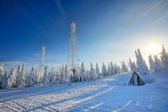 Stazione dello sci nelle montagne Immagine Stock Libera da Diritti